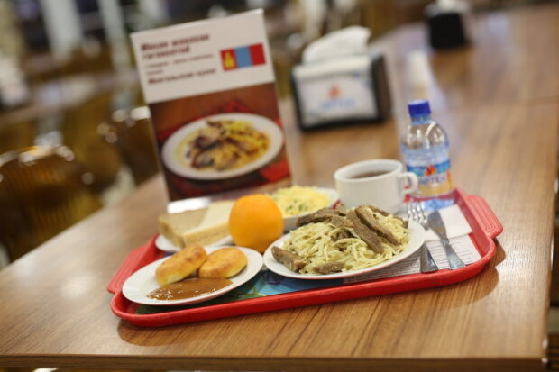 """Ніяких котлет з макаронами: франківських школярів нагодує """"персональний"""" шеф-кухар"""
