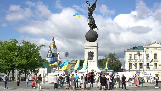 Харків'яни, гуляти так гуляти: синоптики порадували теплом на Покрову 14 жовтня
