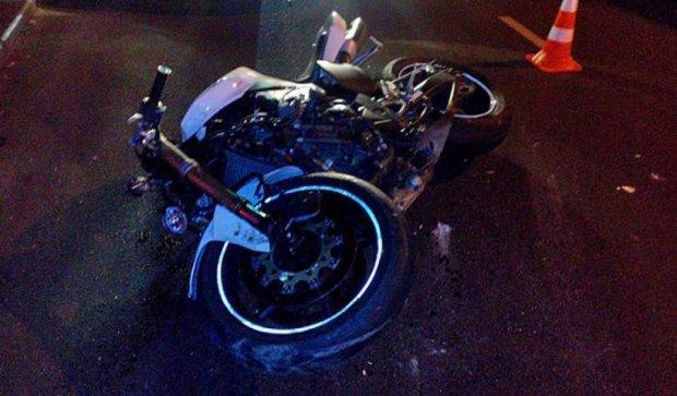 Lexus збив мотоцикліста в Одесі: постраждав байкер і 12-річний пасажир (фото)