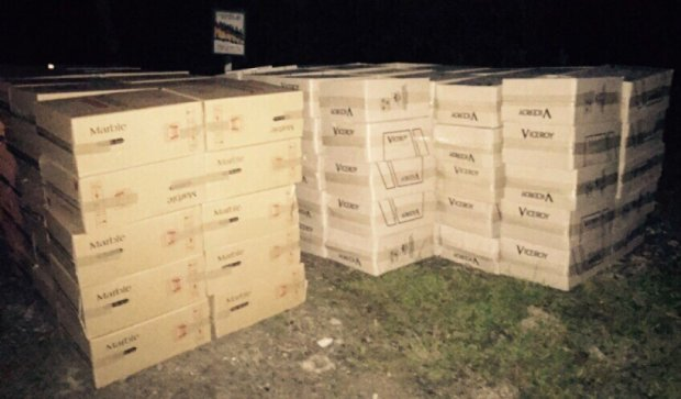Буковинські прикордонники виявили контрафактні цигарки  на два млн грн (фото)
