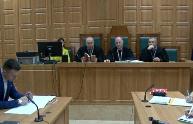Тернопольский суд не может отправлять повестки, потому что нет денег на марки