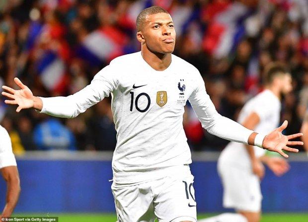 Франція врятувала практично програний матч з Ісландією
