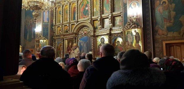 Московские попы лишились крыши над головой: на Житомирщине верующие вынесли вердикт