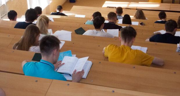 Ряды украинских студентов пустеют, в школах по этим предметам катастрофа — кого ждут институты