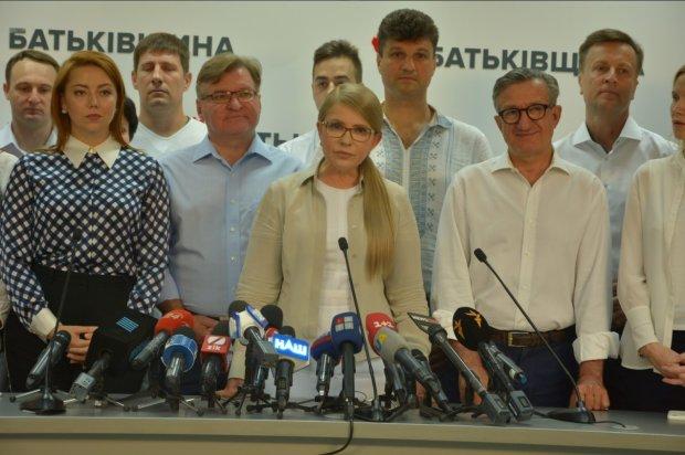 """Тимошенко терміново звернулася до Зеленського та Вакарчука: чи буде коаліція із """"Голосом"""" та """"Слугою народу"""""""