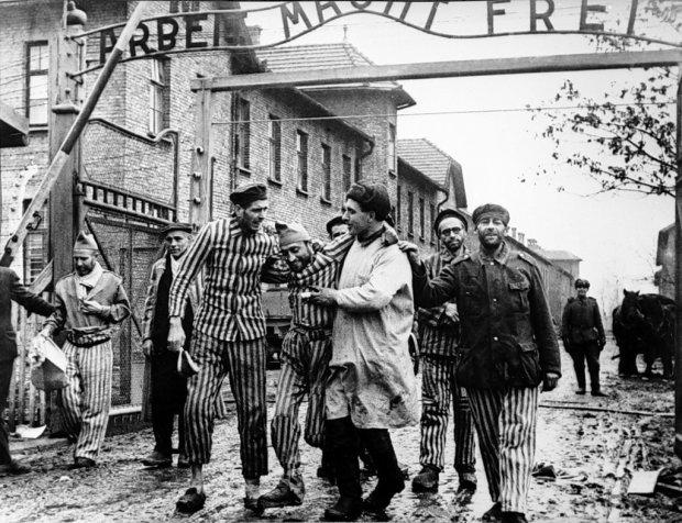Освобождение уцелевших узников концлагеря Освенцим (Аушвиц)