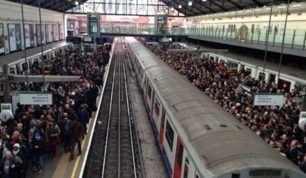 У Лондоні величезний затор через страйк працівників метро
