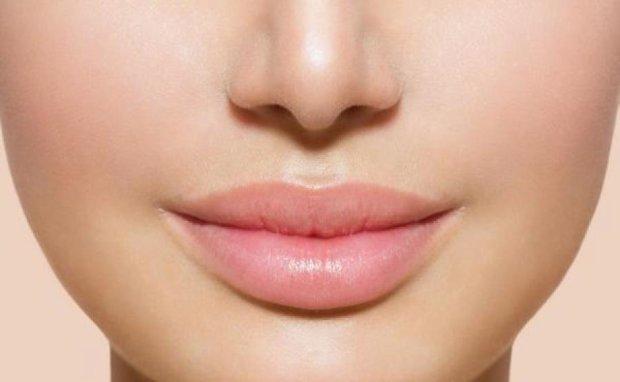 Секрети макіяжу: як збільшити об`єм губ без ін'єкцій