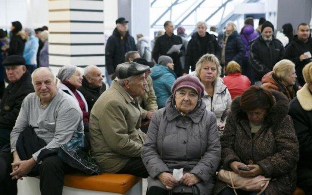 Тюрьма и пенсия: премьер добавил изюминку в важную реформу