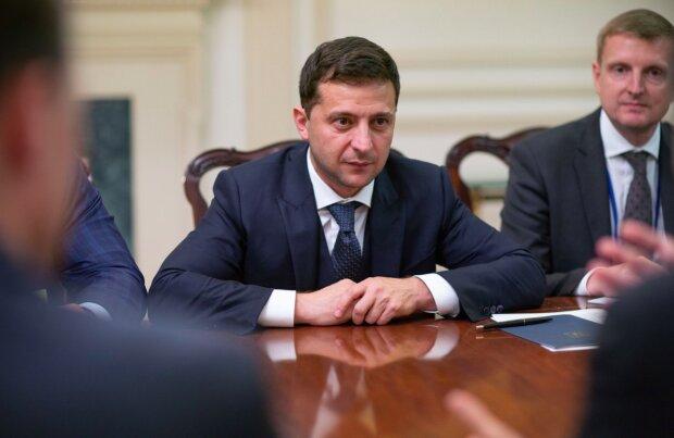 """Зеленський відзвітував перед українцями: """"Робимо сьогодні те, що треба було зробити вчора"""""""