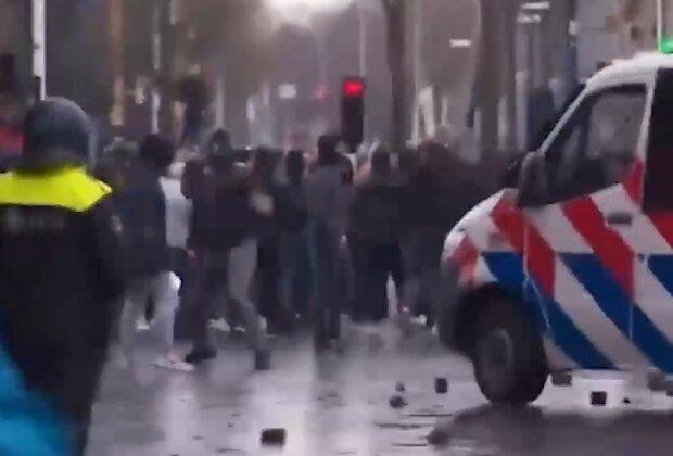 Протести в Нідерландах, кадр з відео