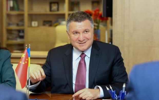 Счет на миллионы: Аваков рассказал, сколько заработал на телеканале