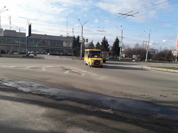 Маршрутка, фото  Знай.ua