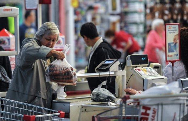 Осторожно, новая афера: никогда не отдавайте свои чеки из магазина
