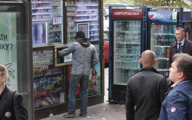 Ціни на цигарки допоможуть українцям кинути палити