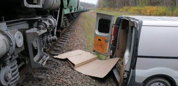 """Хмельницких железнодорожников поймали на наглой афере: """"Вот, куда горючее исчезает!"""""""