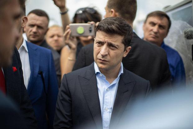 Зеленский в Харьковском лесу пытался поймать хитрого Сыса: фото и видео