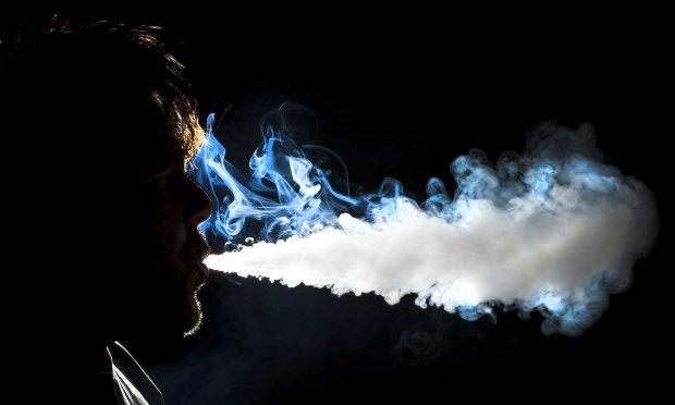Пар против дыма: что вреднее — вейпинг или курение