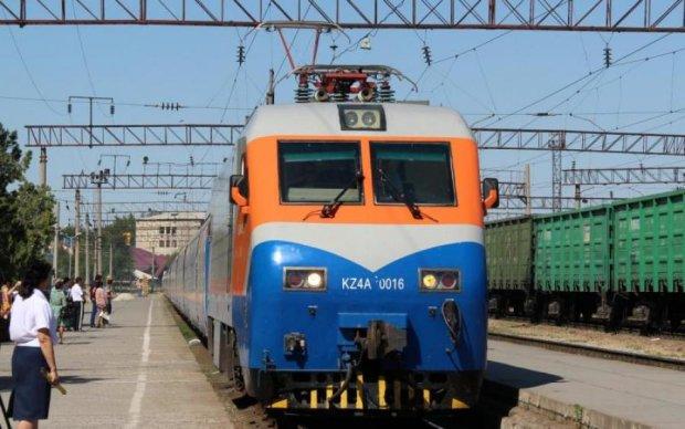 Аварія поїзда у Казахстані: названо головного винуватця трагедії