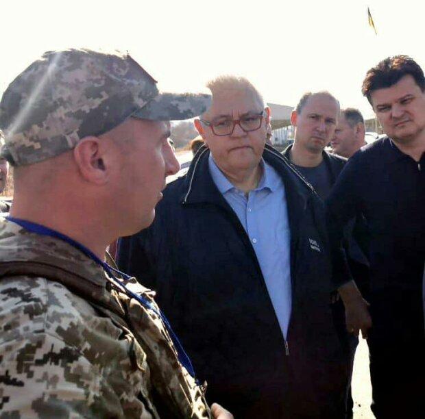 """Сивохо рассказал, кто поможет в реинтеграции Донбасса: """"Напрямую с..."""""""