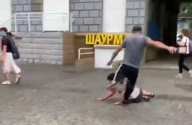 У Дніпрі звір побив ногами беззахисну жінку - Філатов обіцяє гроші за голову покидька