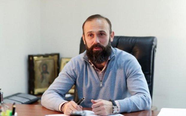 Артур Емельянов оказался гипнотизером: влиял на сознание коллег