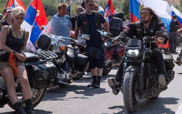 """Прикордонники готуються """"зустрічати"""" улюблених байкерів Путіна"""