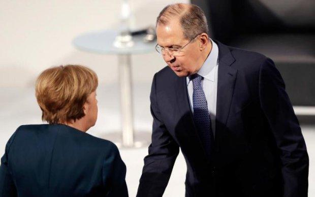 Меркель з Лавровим обговорили Україну: що відомо