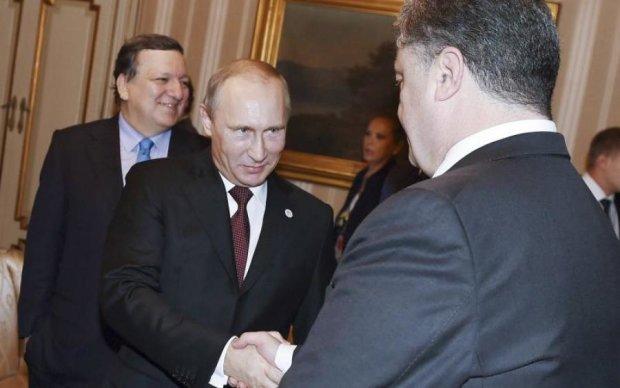 Кремль выдал свою версию переговоров Порошенко с Путиным
