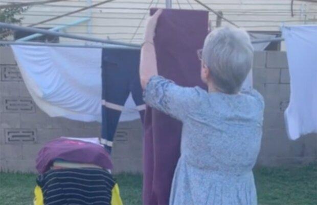 Австралійська бабуся підкорила TikTok , скріншот