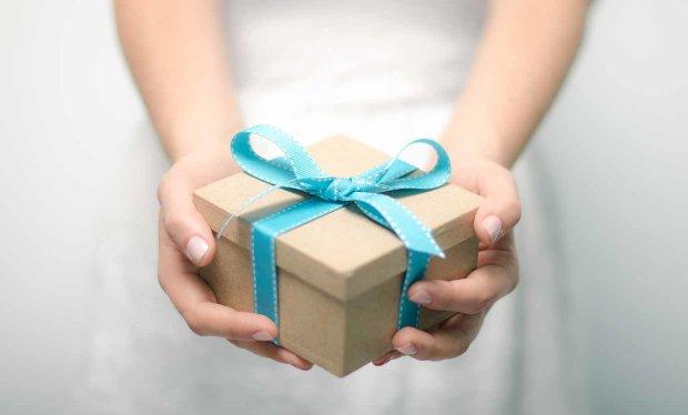 Страшный подарок: в Киеве в праздничной упаковке найден труп ребенка