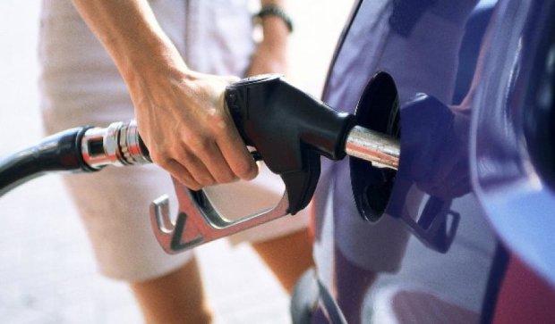 Бензин в Україні не дешевшатиме