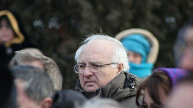 Помер Іван Вакарчук: чим запам'ятався колишній депутат, міністр, батько