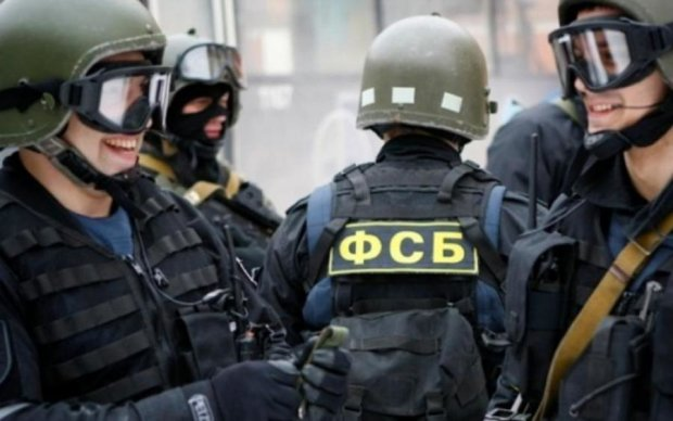 Силовики оккупанта ворвались в детский центр в Крыму