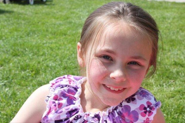 """""""Діти п'ють воду з калюж"""": 9-річна дівчинка врятувала тисячі людей після смерті, світ аплодує подвигу"""