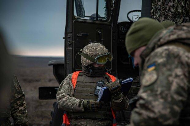 """занятия с наводчиками и водителями боевых бронированных автомобилей """"Казак-2"""", фото: штаб ООС"""