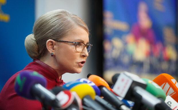 """Тимошенко предупредила Зеленского о роковой ошибке: """"Уйти может все"""""""