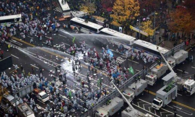 Громадяни Південної Кореї мітингують проти влади