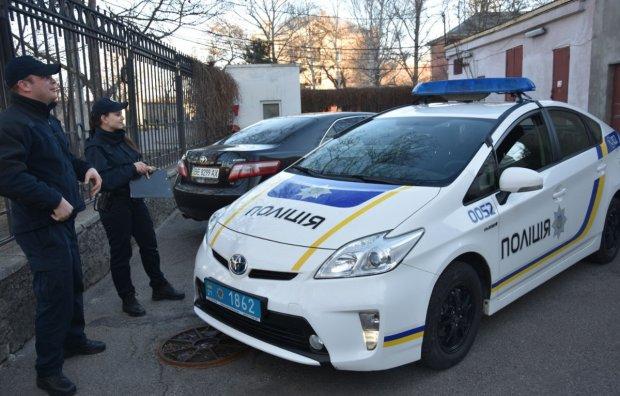 """Перерізали горло: у Запоріжжі стратили кримінального авторитета """"Петрика"""" серед білого дня"""