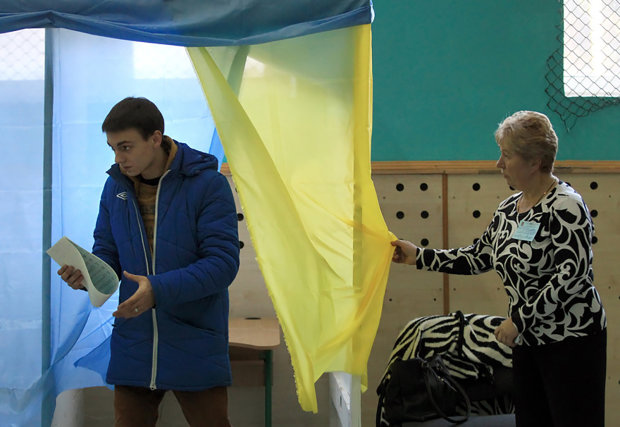 Вибори президента перетворилися на змагання по мемам: у Росії та Білорусі сьогодні — День заздрості