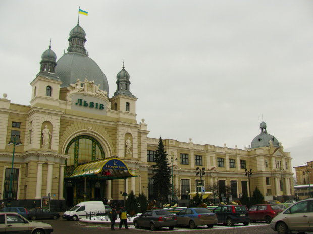 Заробитчанка таинственно исчезла на вокзале Львова, весь город на ушах