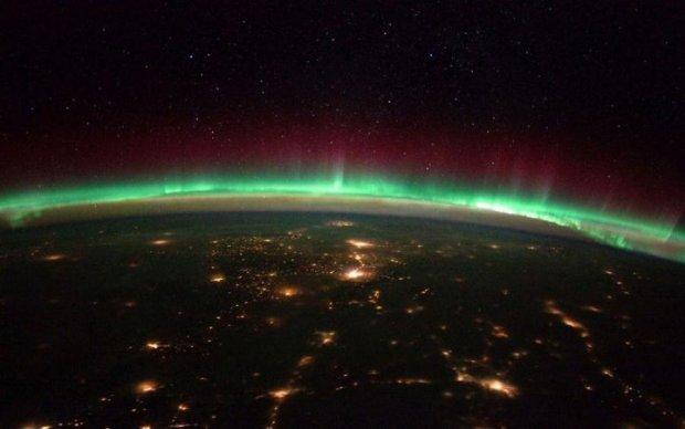 На Земле рассыпались звезды: уникальные кадры из МКС