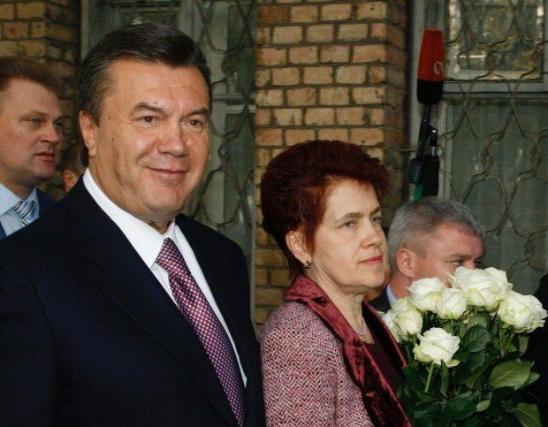 """""""Батя, я стараюся"""": як зараз живе найодіозніша перша леді Людмила Янукович, фото"""