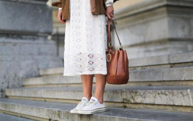 Белое платье: какой цвет обуви подобрать
