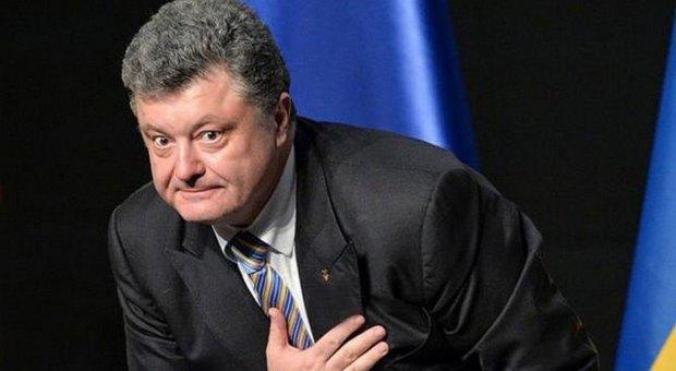 """""""Порошенко - трус!"""": целый город восстал против кражи на армии - забрали у нищих украинцев последнее"""