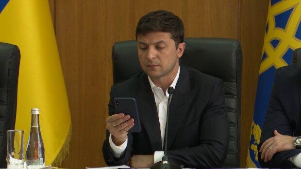 Мошенники втянули Зеленского в преступную схему, оставляя украинцев с дыркой в кошельке: один звонок и денег нет