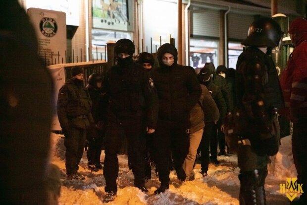В Нацкорпусі попередили про провокації в Києві на 9 травня
