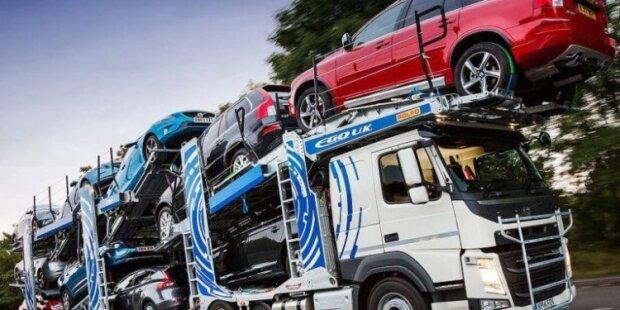 """Українці зможуть замінити євробляхи на машини зі США: """"Не биті, не фарбовані"""""""