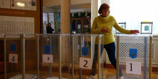 Харьковчан попросили приходить на участки со своими ручками: аферисты не дремлют
