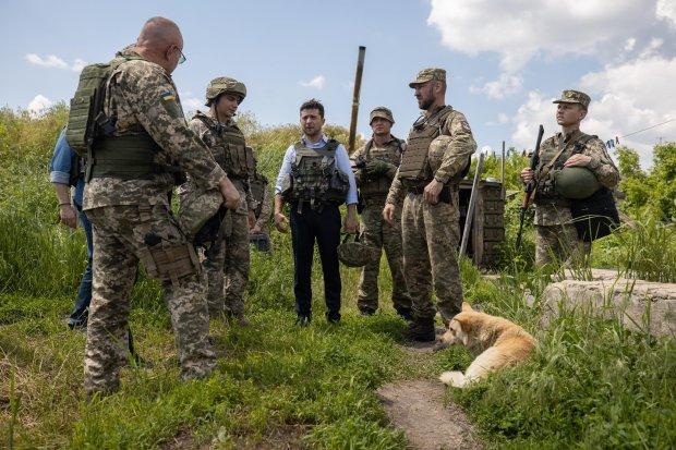 """Зеленский отреагировал на обстрел колонны губернатора Донбасса: """"Расчеты провокаторов не оправдаются"""""""